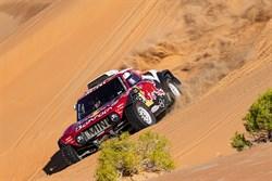 Carlos Sainz pakt derde Dakar titel