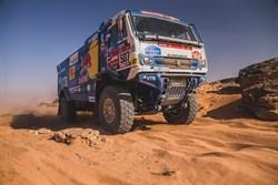 Dmitry Sotnikov pakt eerste Dakar titel