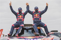 Peterhansel pakt 14de Dakar titel en record